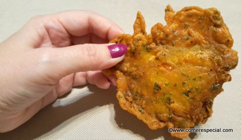 Receta de tortillitas de camarones fritas en delicioso aceite de oliva virgen