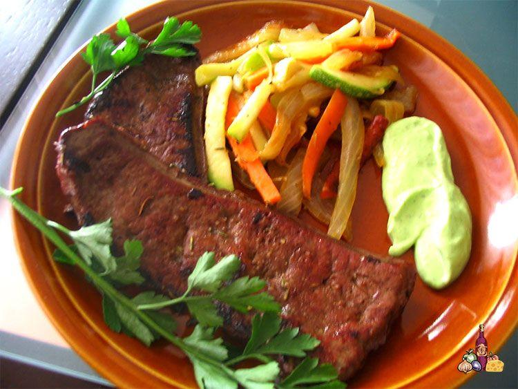 Hígado con verduras y sojanesa