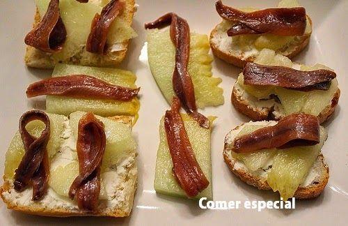 Montadito de queso de cabra, melón y anchoas
