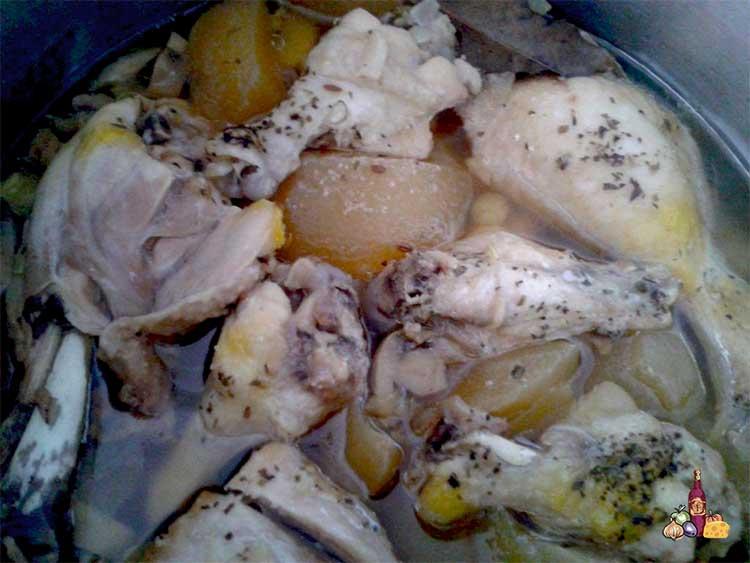 Estofado de muslos de pollo