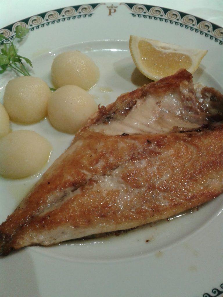 Pescado a la plancha restaurante Parador de Tordesillas