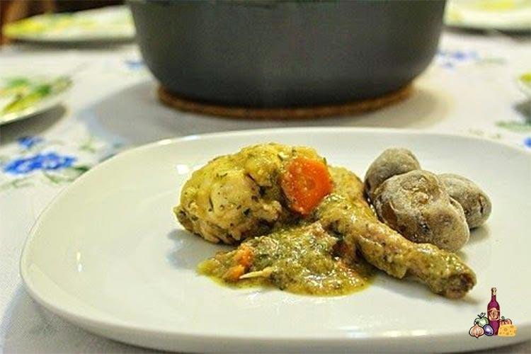 Conejo con setas en salsa