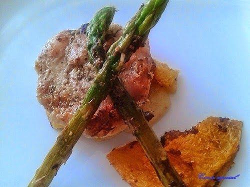 Muslo de pavo al horno con verduras a la plancha