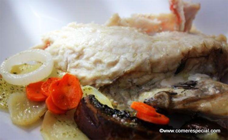 Receta fácil de cabracho al horno con verduras