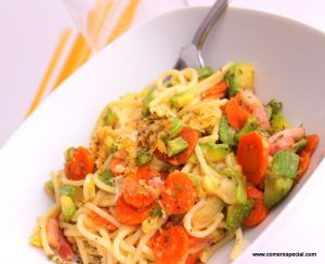 Espagetis con verduras y queso gratinados