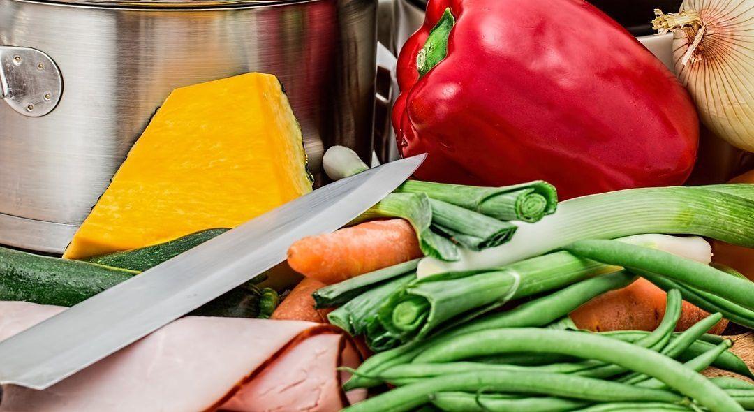 Menaje indispensable en tu cocina: catorce utensilios que no deben faltar
